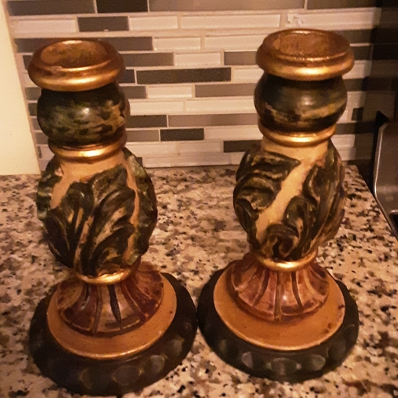 2 (set) Wooden carved pillar candle holders